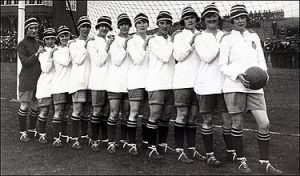 375px-1921_Dick,_Kerr's_Ladies