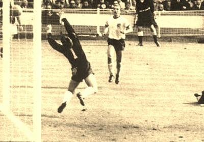 1966-world-cup-football-wembley4_1179 (400x279)