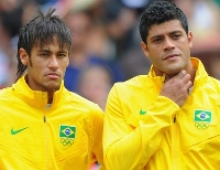Neymar hulks it large