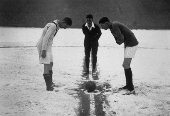 football-snow-winter