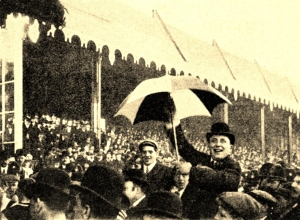 The Newcastle crowd at the 1905 FA Cup final