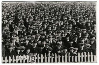 1920s crowd