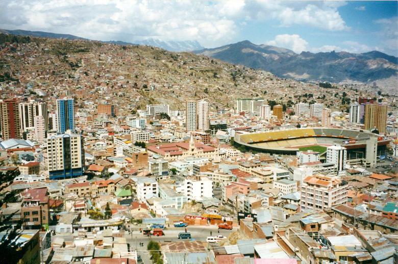 bolivia-football-stadium-la-paz-1