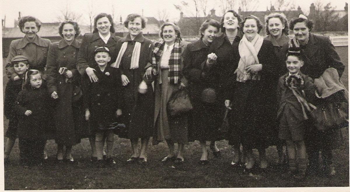 ladies-at-crook-2