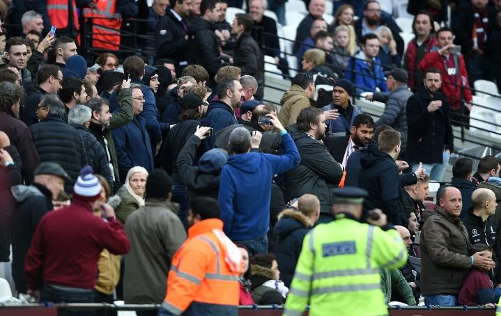 West Ham United v Burnley - Premier League - London Stadium